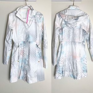 Lululemon Floral Dove Light Weight Trench 6